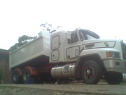 TIPPER TRUCK+1995 MACK 427H.P. E-7 ELITE CH/SLEEPER CAB/2 MONTHS REDGO